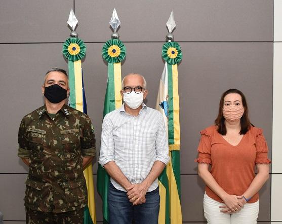 Covid-19: Prefeitura de Aracaju e Exército firmam parceria para instalação de novo drive-thru no 28° BC