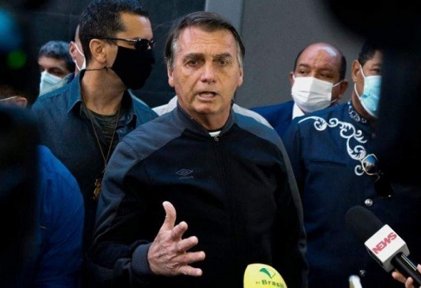 Bolsonaro defende voto impresso e diz que 'só Deus' o tira da presidência