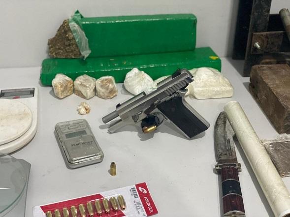 Traficante que ostentava drogas e armas em redes sociais morre em confronto com policias do Denarc