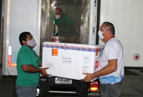 Estado de Sergipe recebe mais de 54 mil doses de vacinas contra a Covid-19
