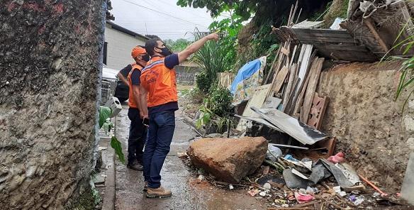 Colisão deixa quatro pessoas feridas na rodovia João Bebe Água em São Cristóvão