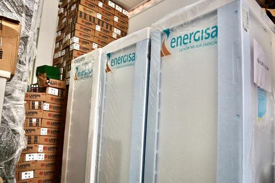 Prefeitura de São Cristóvão recebe doação de refrigeradores da Energisa para uso  no combate à pandemia