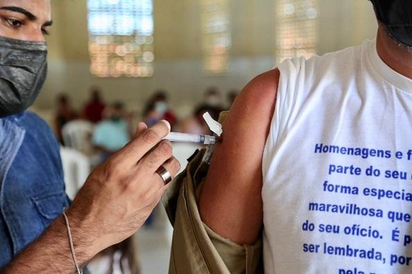 São Cristóvão vacina pessoas de 23 anos ou mais contra a covid-19 neste sábado (14) e domingo (15)