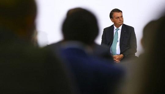 Após devolução de MP das Fake News, Bolsonaro envia projeto de mesmo teor ao Congresso