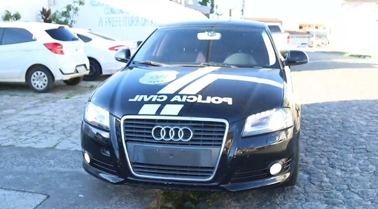 Audi apreendido com traficante sergipano no RJ é transformado em viatura do Denarc