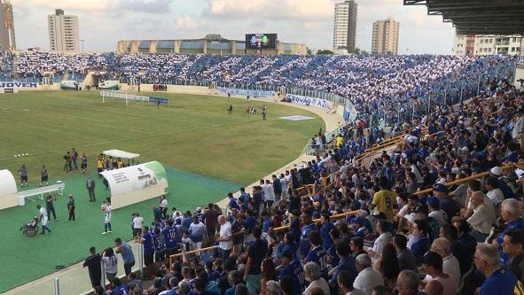 Governo de Sergipe libera presença de público em estádios de futebol