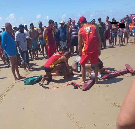 Adolescente de 14 anos morre afogado na Praia de Atalaia