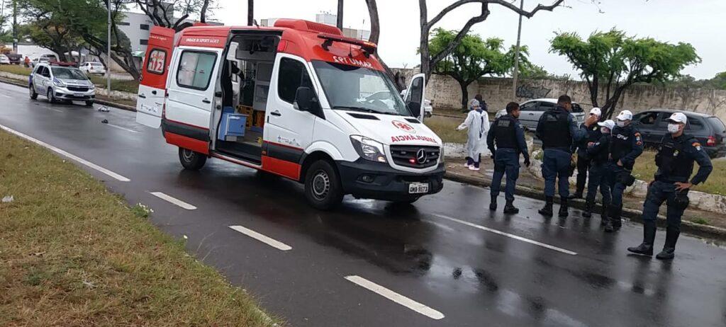 Colisão deixa uma ciclista ferida e outra morta na Zona Sul de Aracaju